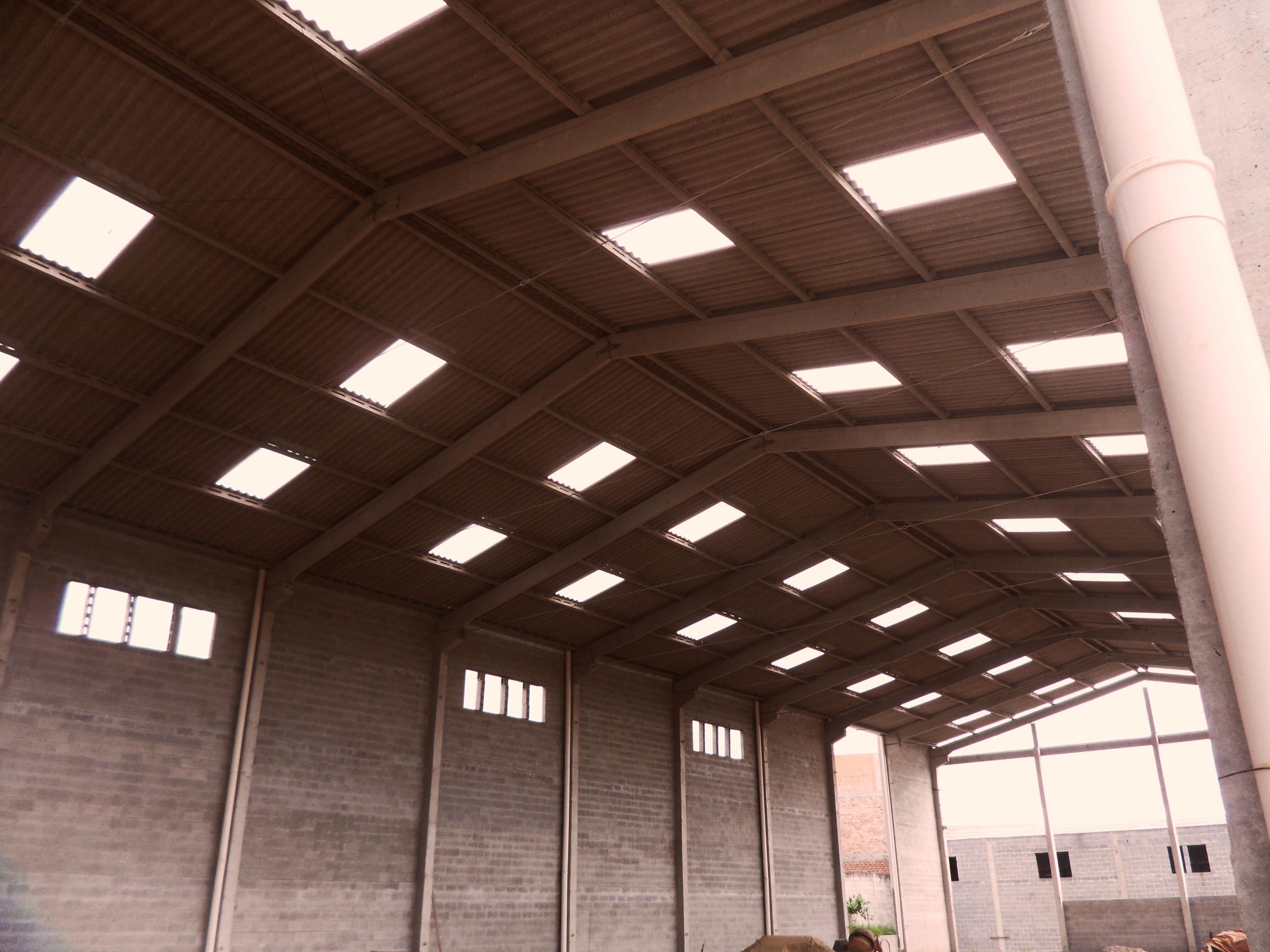Cobertura para estruturas pré-moldadas e pré-fabricadas: descubra as opções!